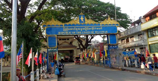 Border Crossing - Mae Sai (Thailand) to Tachileik (Myanmar)