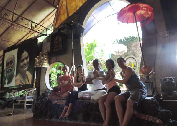 Kundalini Yoga with Ketut Bandiastra at Taman Hati Yoga Ashram