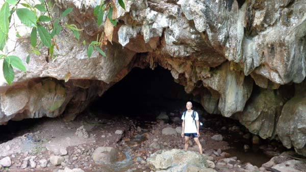 Visiting the Nam Lot and the Pha Khong Caves of Phan District